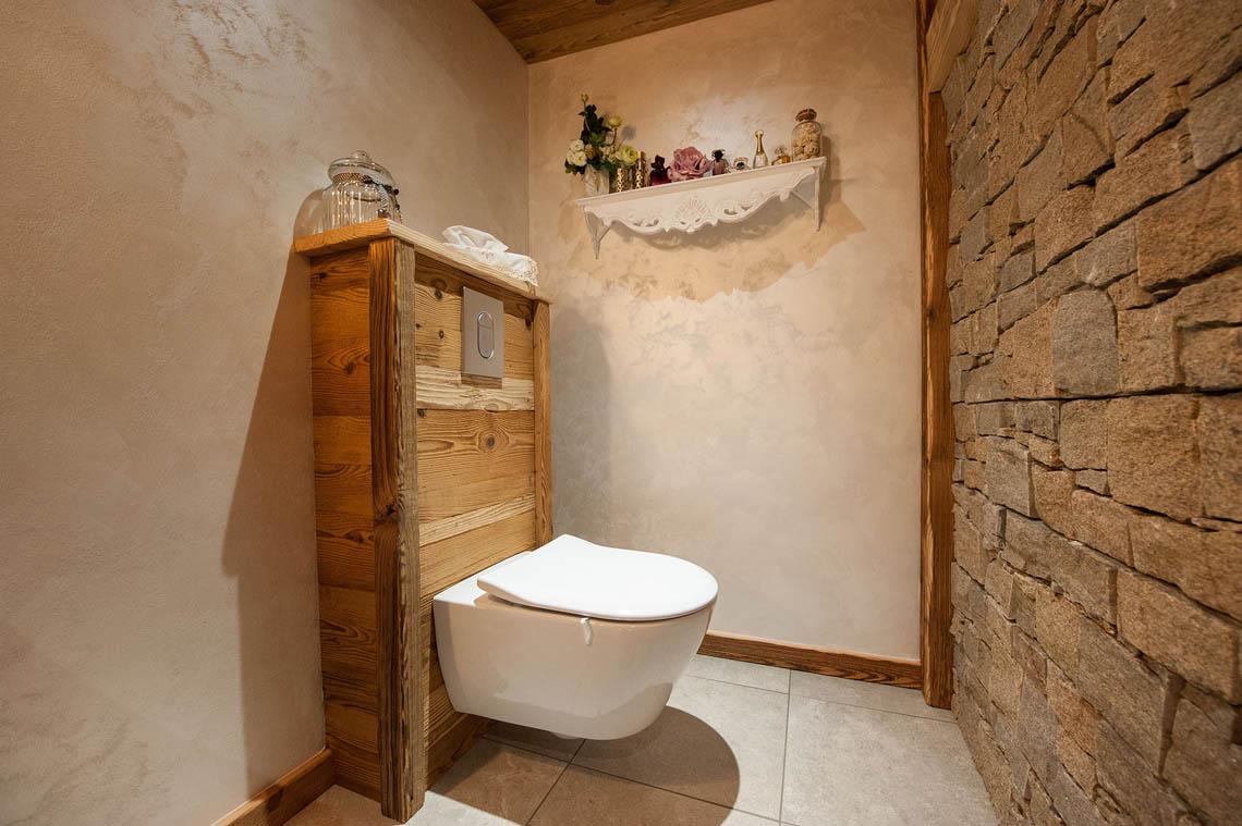 Agencement int rieur salle de bain bois atelier la petite vosgienne - Salle de bain brun ...