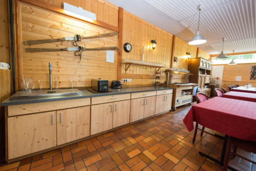 Bois-lapetiteposgienne-meuble-hotel-menuiserie-Vosges-VannsonJ