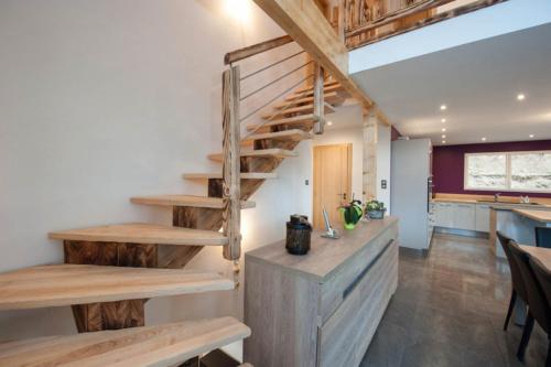 Escalier-frêne-bois-lapetitevosgienne